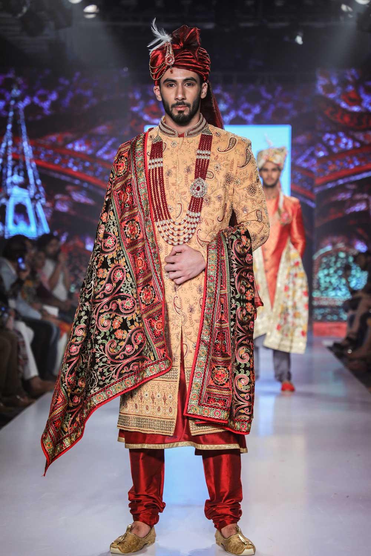 BluesNGreys-GICW-Fashion-show-sherwani-2